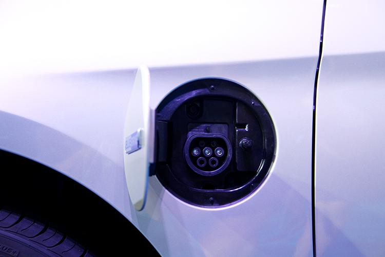 索纳塔插电混动版纯电续航75km 补贴后售价18.98万起