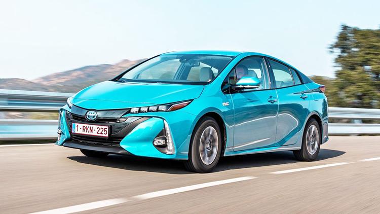 丰田将在全球召回243万辆存在缺陷的混合动力汽车