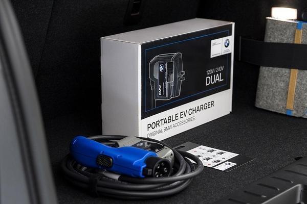 宝马在美国召回3501辆充电线缆存隐患的电动与混动汽车