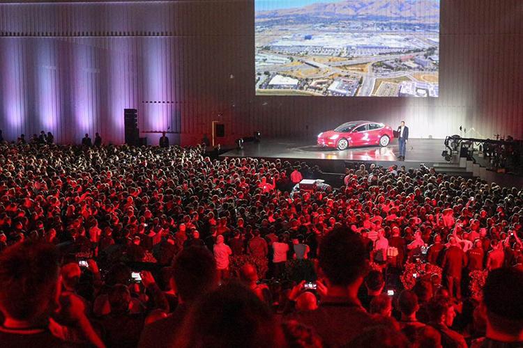 特斯拉第二季度共生产53339辆新车 较第一季度增长55%