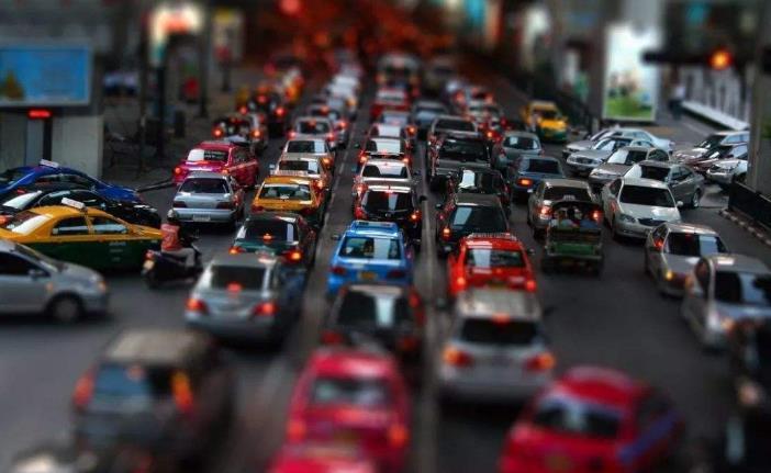 为缓解交通压力 宜昌市城区货车限行包括新能源货车