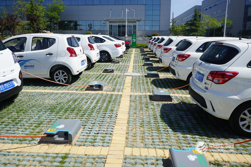 特锐德上线运营充电终端达13.3万个 今年目标充电量22.5亿度