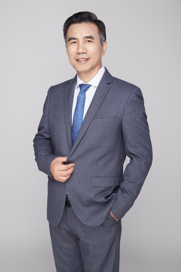 第9届(2019年)中国电池行业年度人物:俞会根