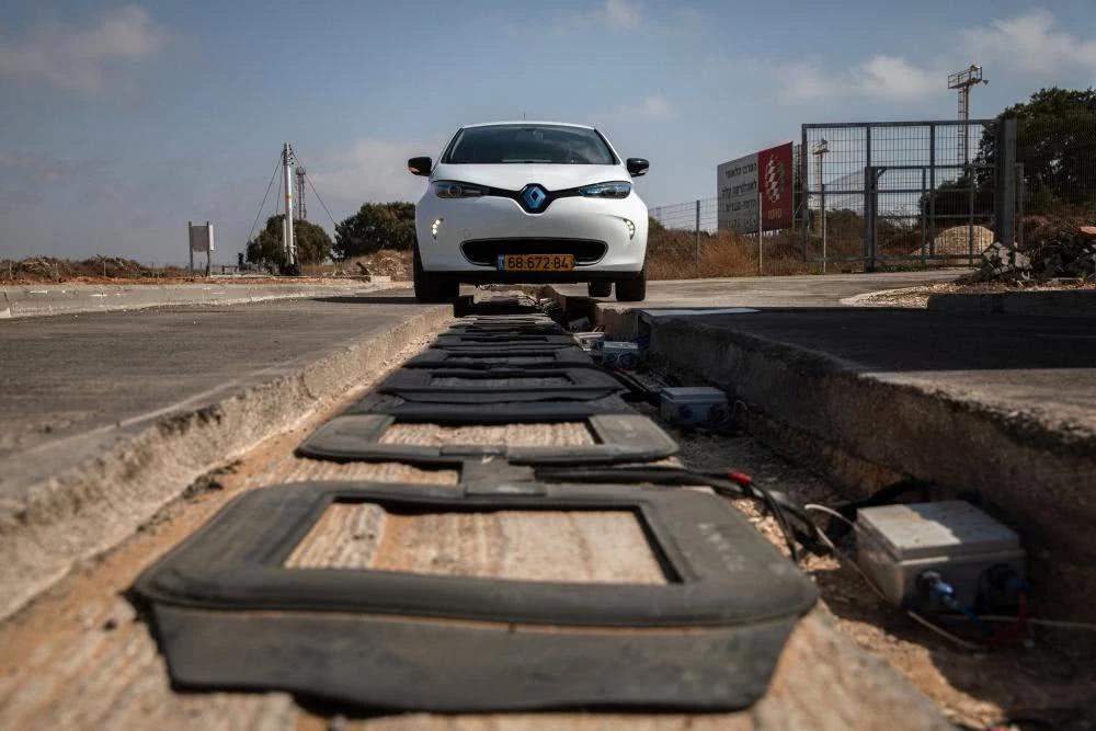 以色列初创企业发明无线充电道路 电动车里程焦虑没了