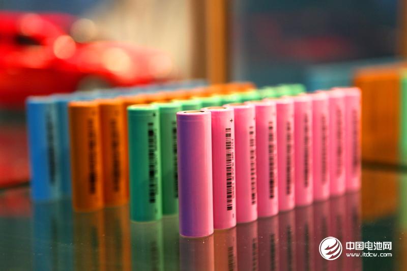 1-8月全国锂离子电池产量93.8亿只 原电池及原电池组产量260.2亿只