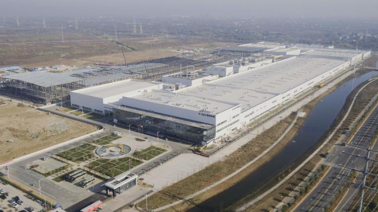 重磅!蜂巢能源首个高速叠片电池工厂11月底将投产