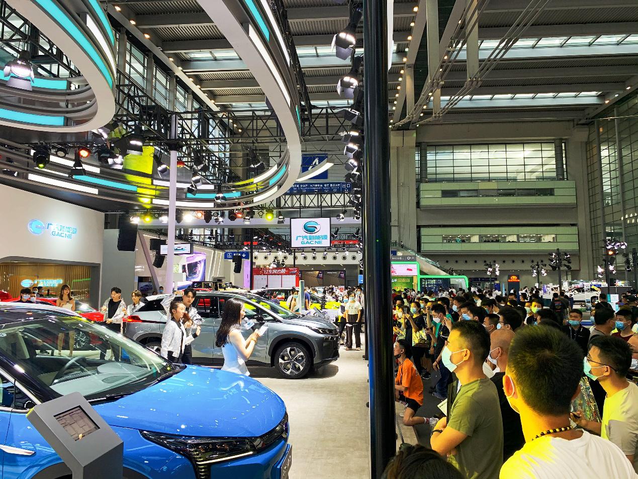 """续航600+机甲科幻风!这款""""入门即高配""""的国产SUV科技感爆棚"""