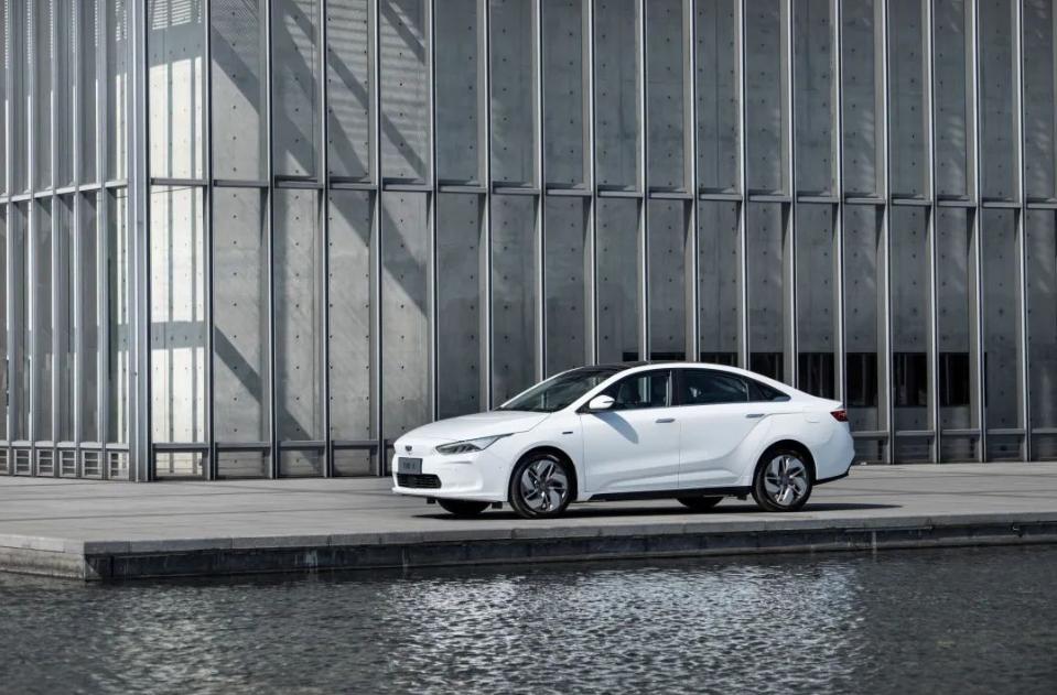 吉利2020年销量逾132万辆 12月新能源和电气化汽车销售7171辆