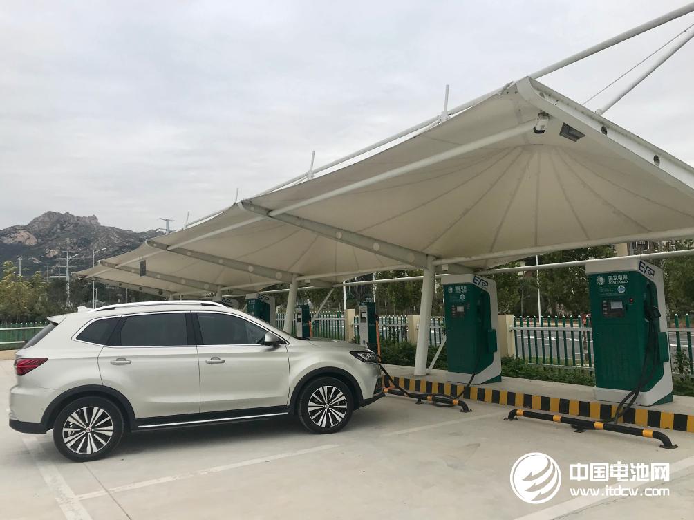 北京累计建成新能源汽车充电桩22.5万个 换电站140余座