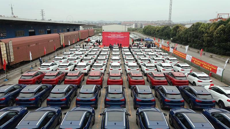 小康股份前4月新能源汽车销售7593辆 同比增逾1倍