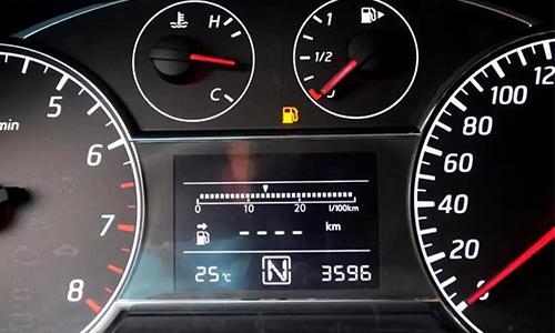 车子老是滴滴响仪表盘没显示 滴滴响没有故障灯什么问题