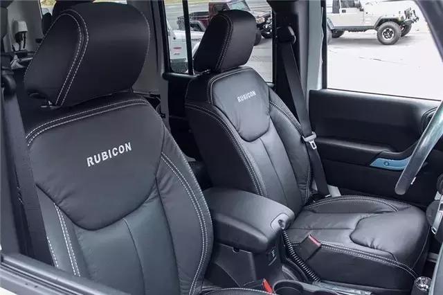 汽车真皮座椅如何保养 汽车真皮座椅怎么清洗